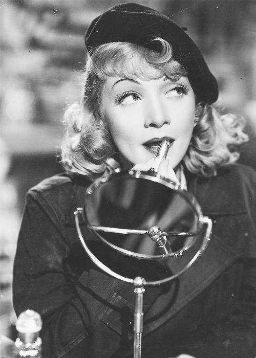 Marlene Dietrich looking glamorous as per