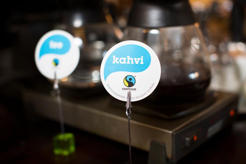 Riihimäellä Reilun kaupan kahvia tai teetä voi nauttia jo yli 10 kahvilassa tai ravintolassa. Kuva: Sakari Piippo