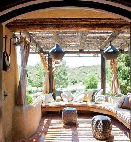 Idea para terraza o porche me gusta el techo, las lamparas, las - cortinas para terrazas