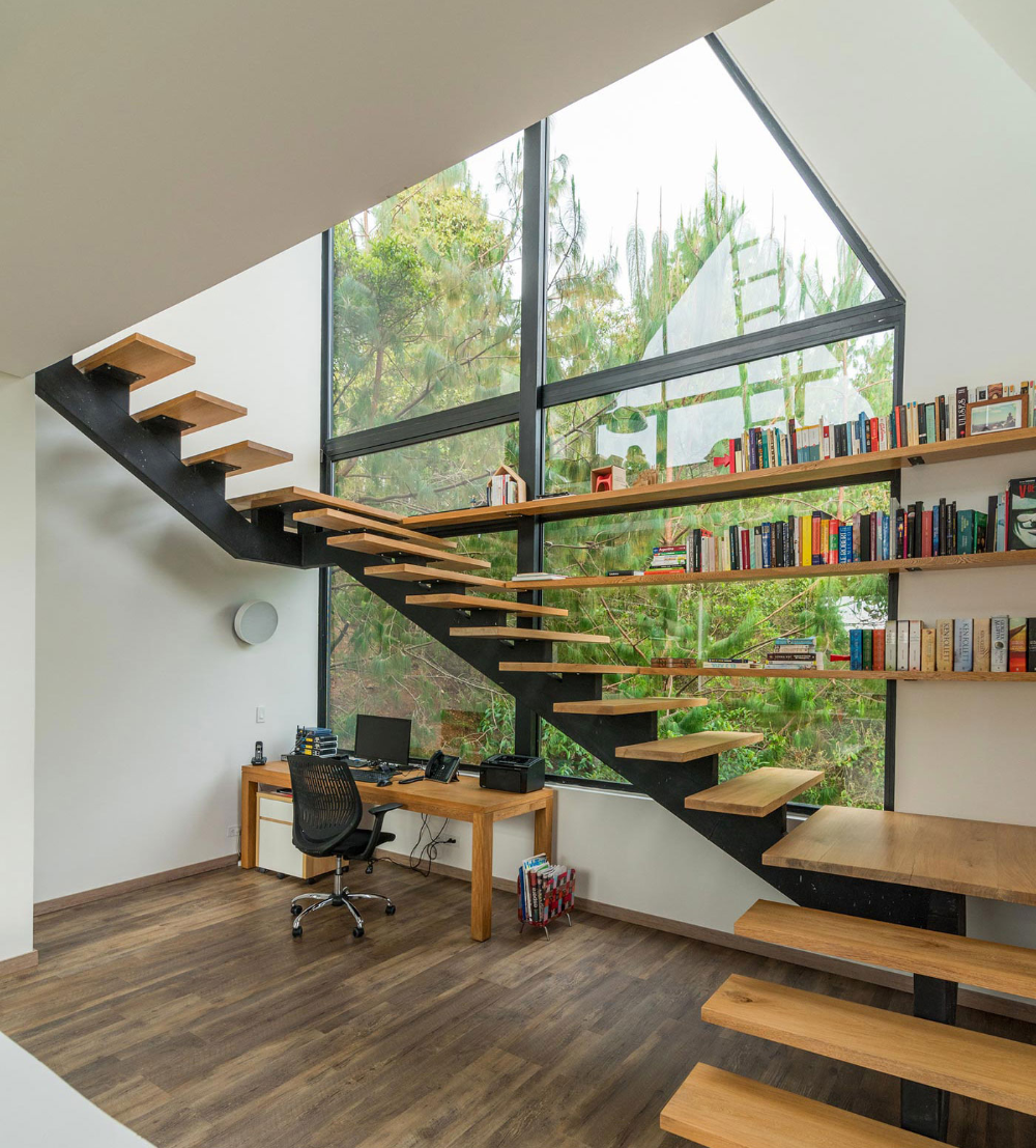 Decorating A Staircase Ideas Inspiration: Home Decorating Inspiration