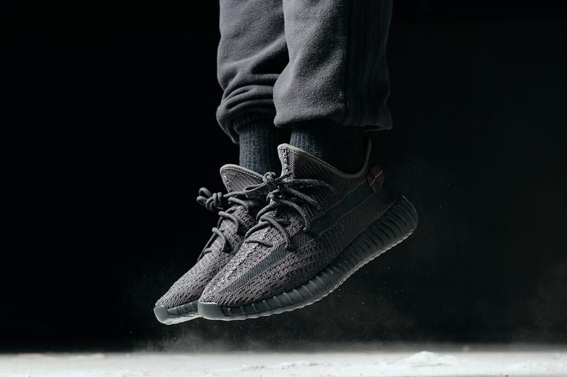 yeezy shoes all black