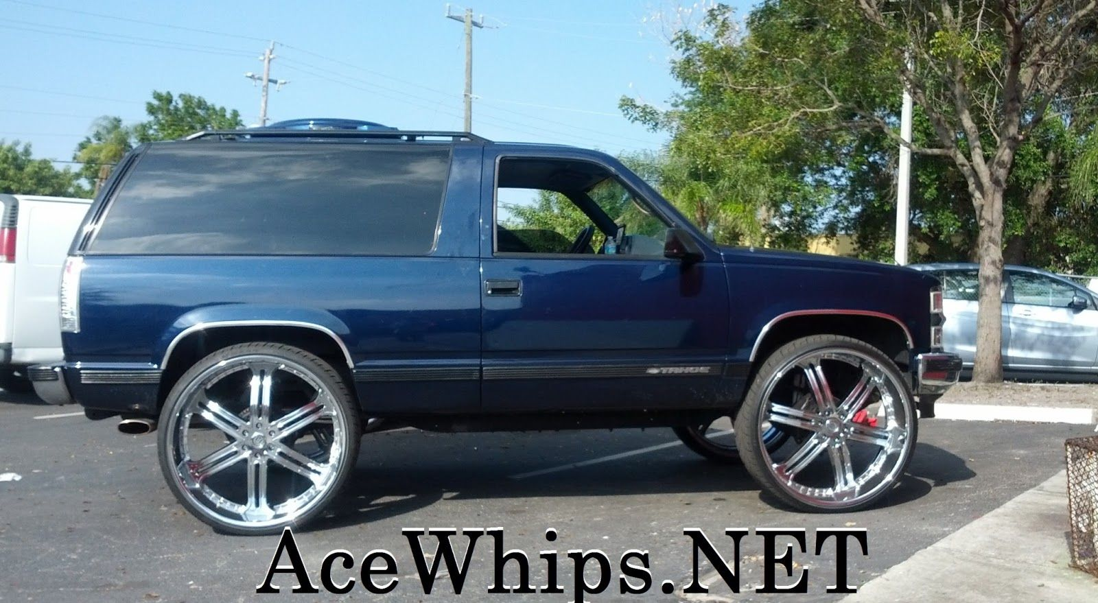 30 inch rims on impala ace 1 wtw customs 2dr chevy tahoe on 30 versante rims [ 1600 x 879 Pixel ]