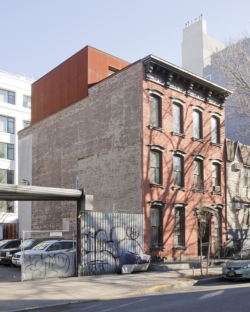Williamsburg Apartments: How A Cramped Williamsburg Apartment Doubled In Size