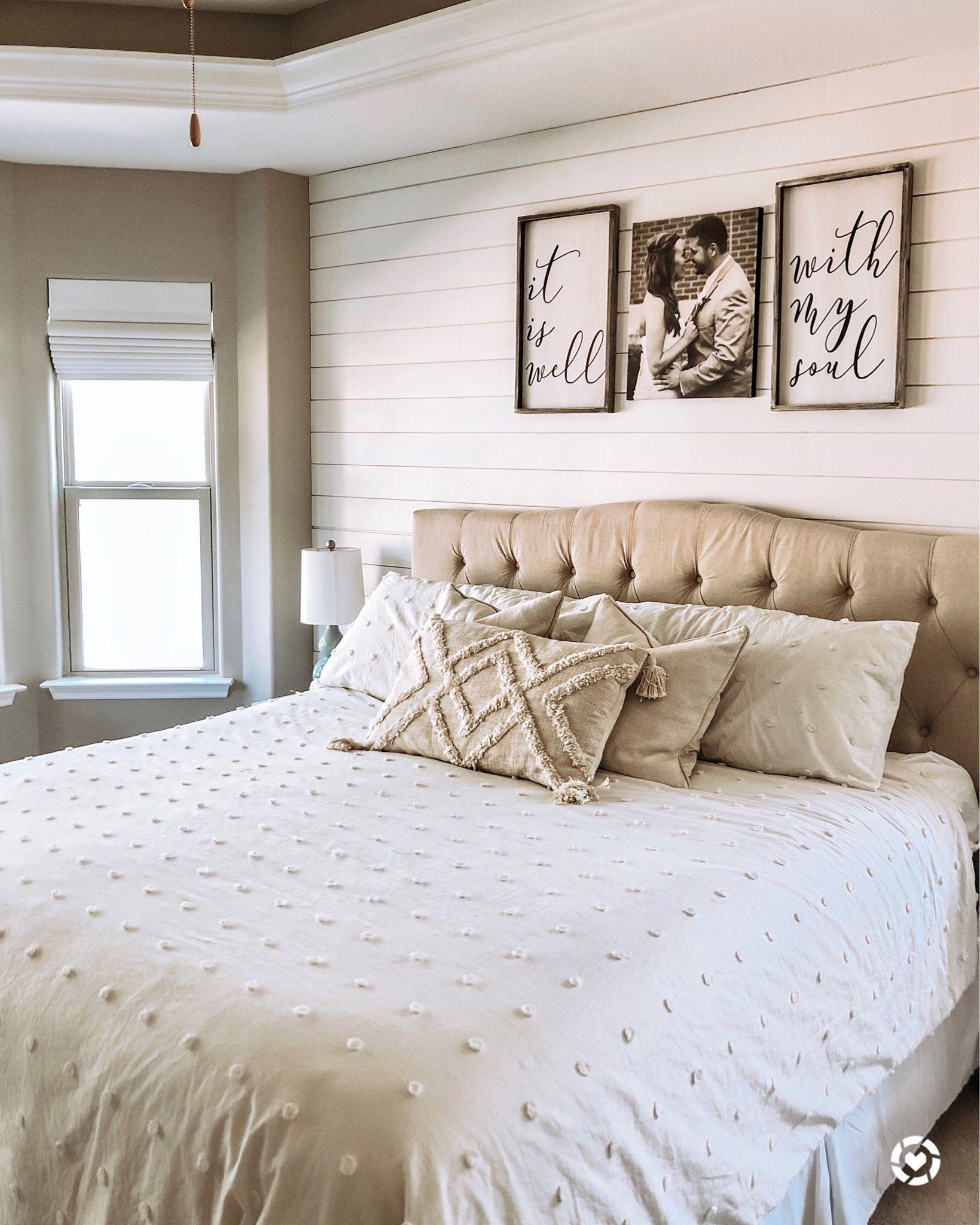 Shiplap Bedroom Wall   Farmhouse Bedroom Style ...