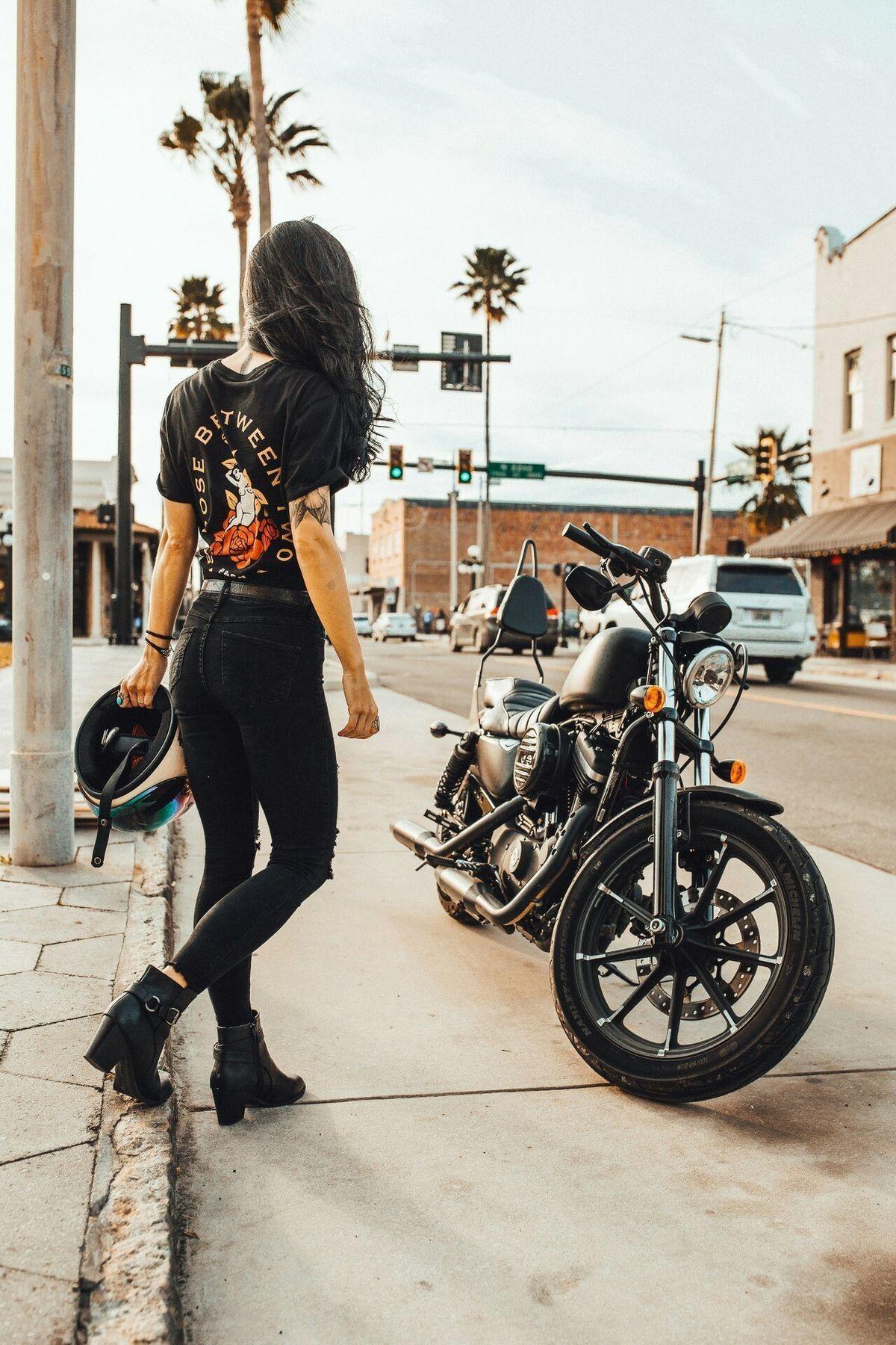 2005 Harley-Davidson Dyna #motorchick #motorbike #motorcycle #motortrend