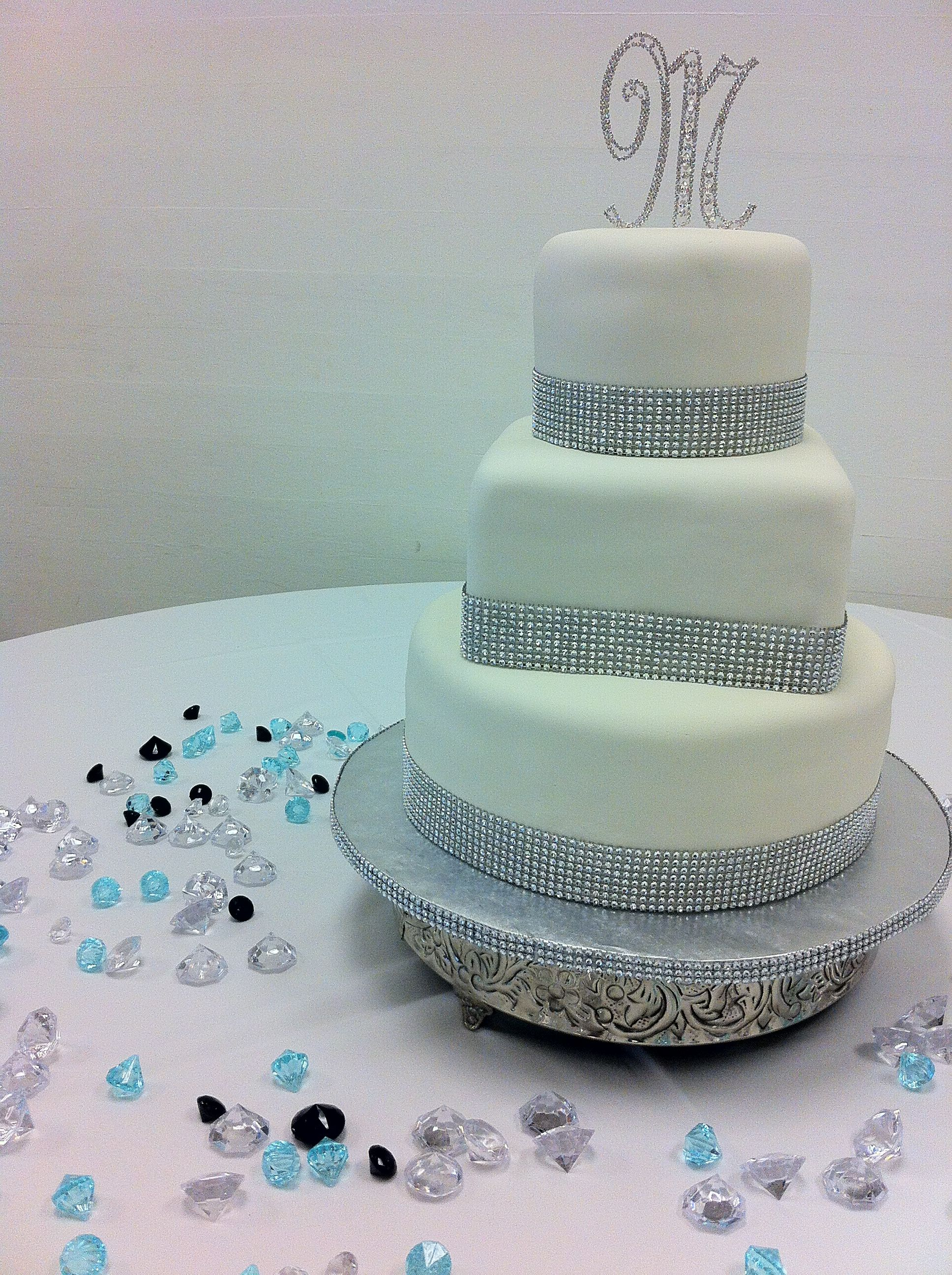 wedding cakes three tiers