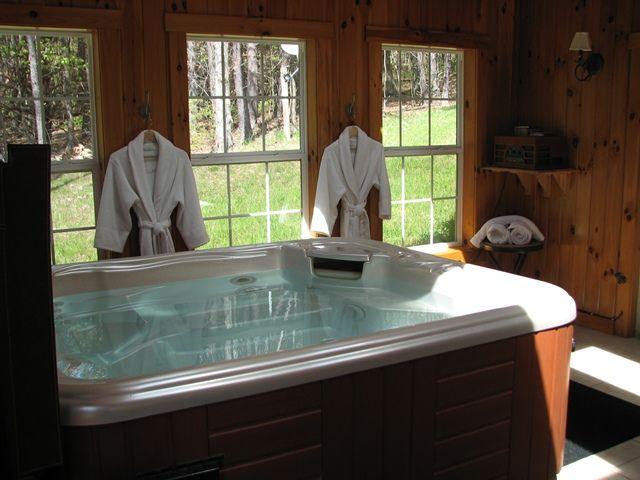 8841791 Orig Jpg 640 480 Hot Tub Jacuzzi Hot Tub Cabin Plans