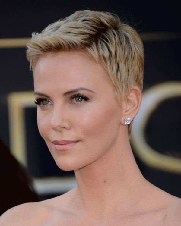 Charlize Theron Ny Blondes: Charlize Theron's Pixie Cut Frisur