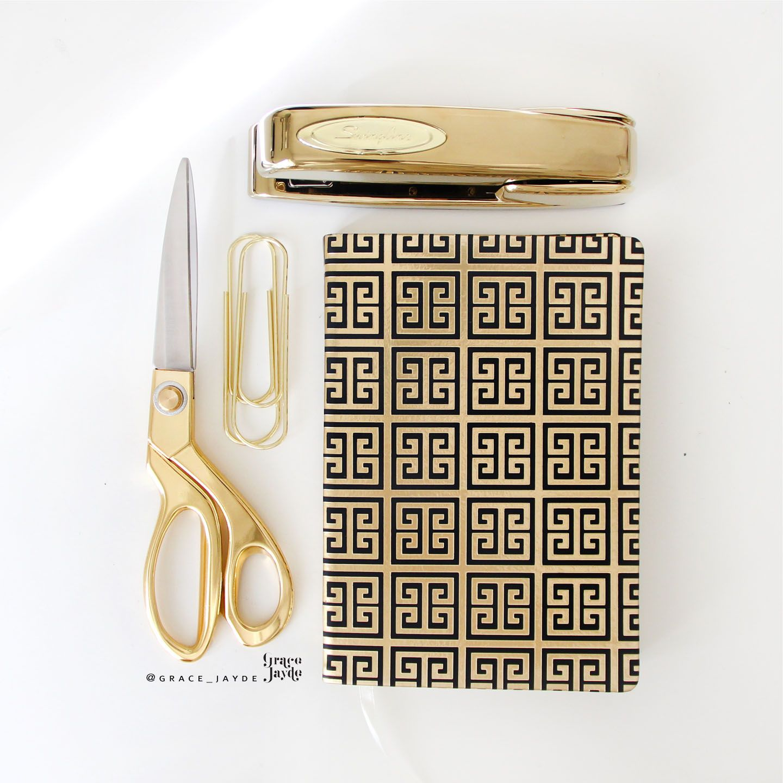 Nate berkus target gold office supplies gold scissor for Oficina de empleo la laguna