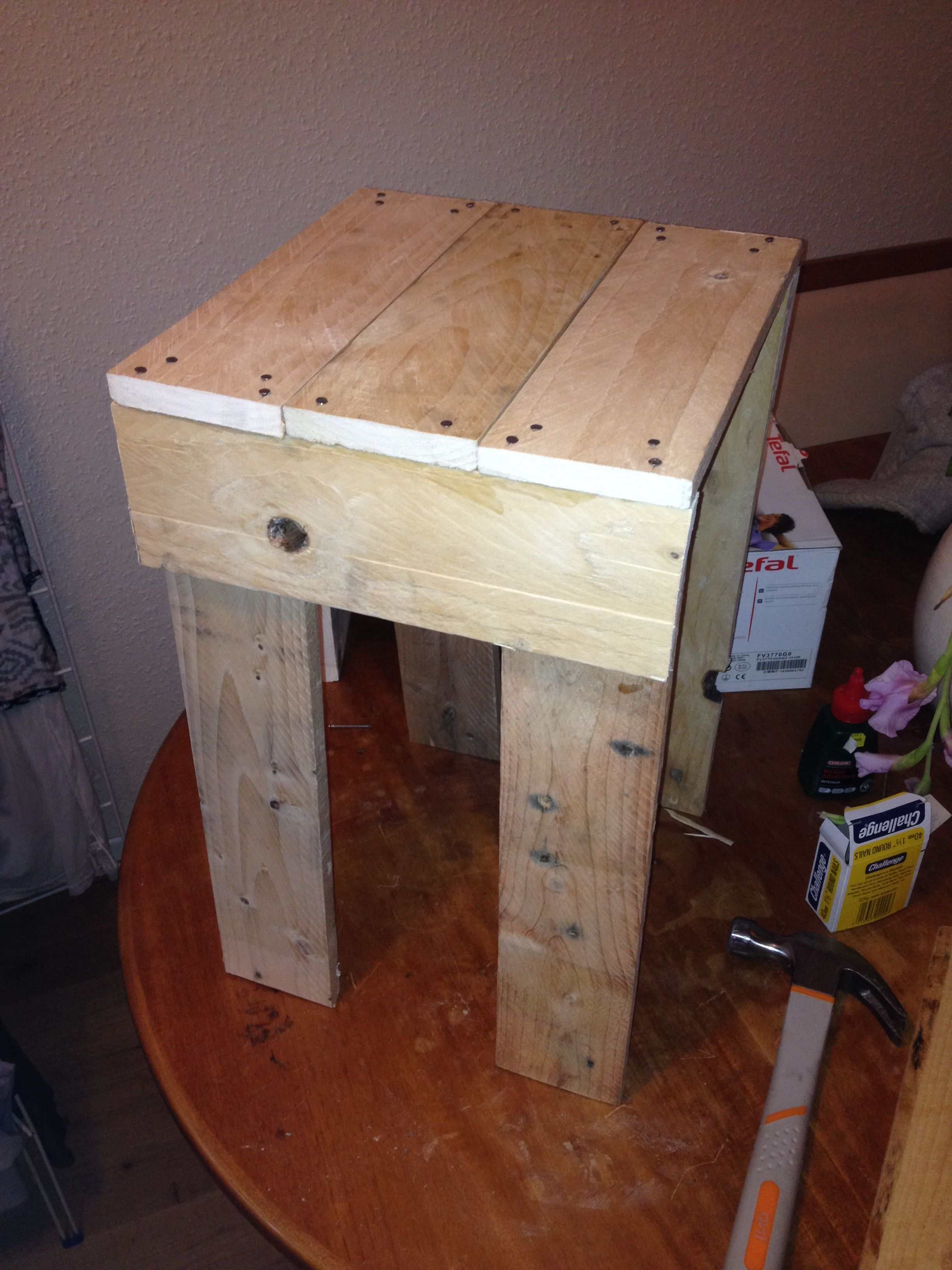 My First Small Wood Project A Little Side Table Made Out Of Pallet Wood Wood Projects Small Wood Projects Pallet Projects Furniture