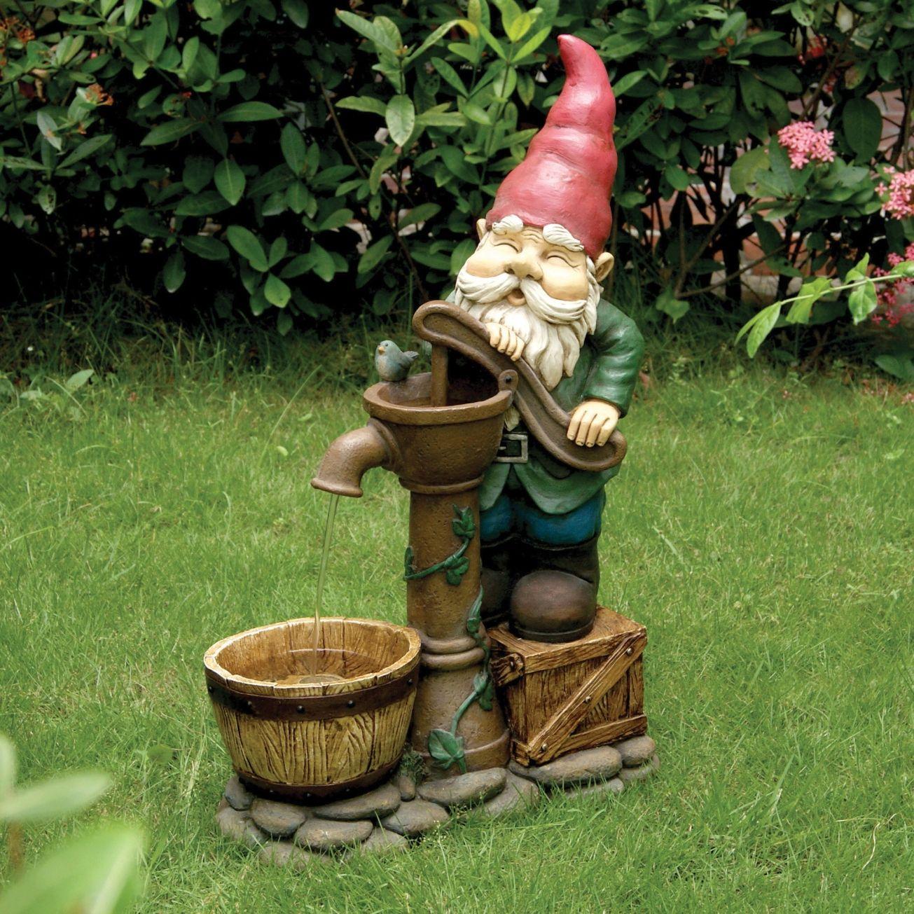 Fountain gnome nomos pinterest gnomos jardines y for Enano jardin