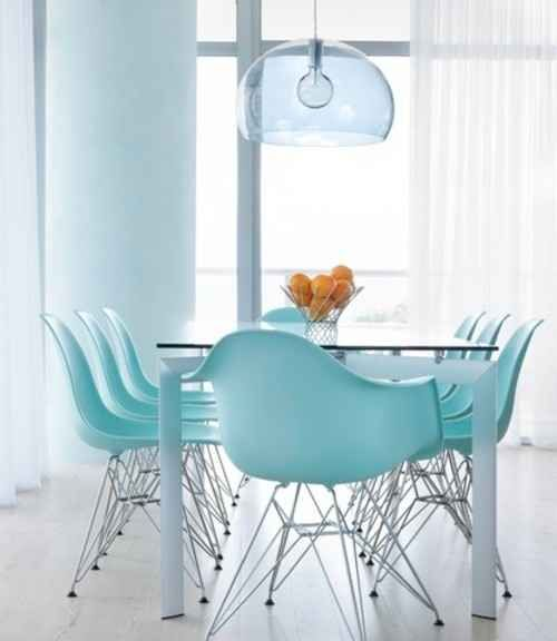 Eames chairs 37 ways to treat yourself with tiffany blue - Sillas azules comedor ...