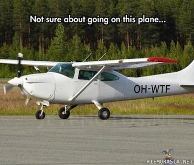 Lentokoneen tunnus herättää epäilyksiä