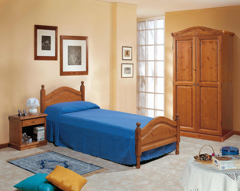 Camera da letto completa tutti i componenti sono in legno massello di svezia www - Mobili in pino di svezia ...