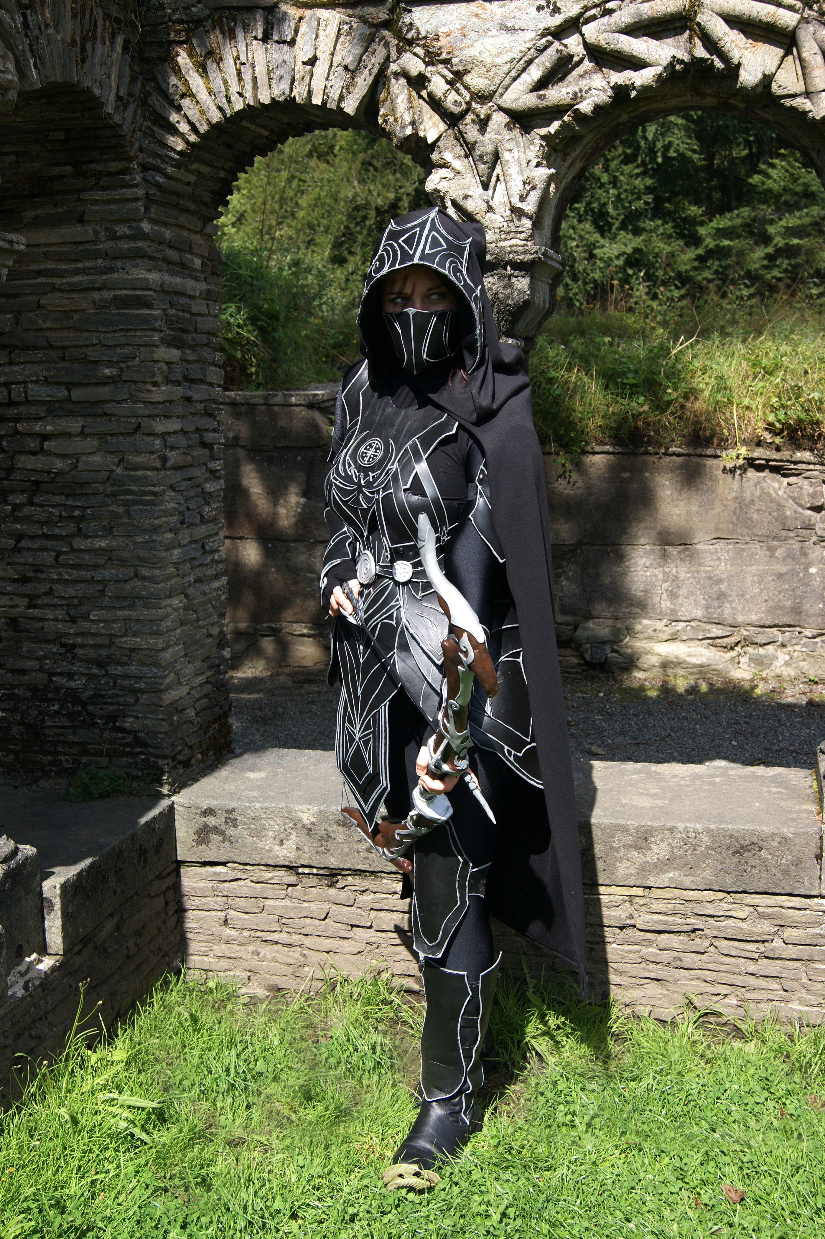 My take on the nightingale armor :) More pictures of the costume ...