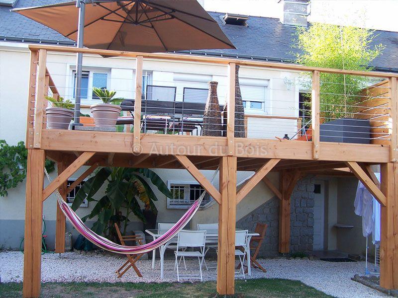 Terrasse bois suspendue sur pilotis et balcons bois for Construction terrasse