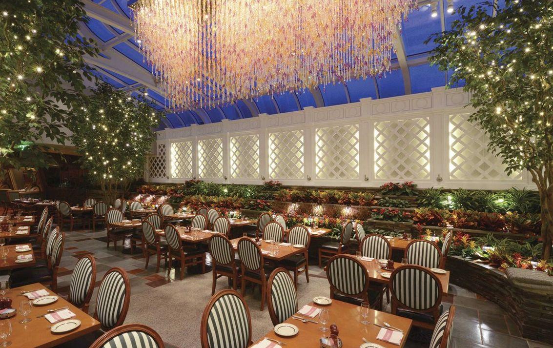 the broadmoor hotel colorado springs wedding venue | wedding venue