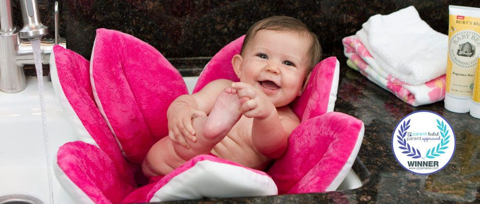 Blooming Bath Baby Bath  This is sooo cute and a great idea   Comes in blue yellow and pink