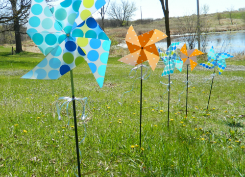 What Kid Doesn T Love A Pinwheel In The Garden Here S How To Make