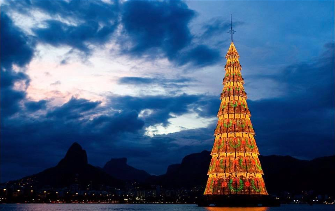the tree at lagoa rodrigo in rio de janeiro is the worlds tallest floating christmas tree and lights up the night every december - Worlds Tallest Christmas Tree