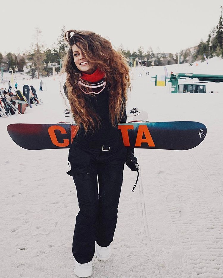 """Hannah Stocking on Instagram: """"My happy place 🏂 (snowboard or ski?)"""""""
