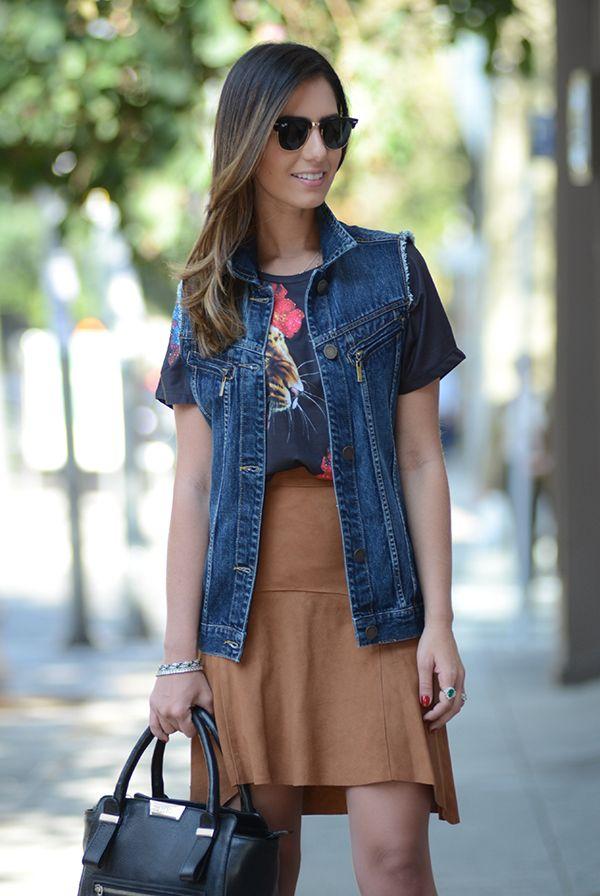 Sabe aquela camiseta básica, lisa, estampada ou listrada, que você tem no guarda-roupa?! Que tal montar looks modernos e estilosos com ela?! COMO USAR...