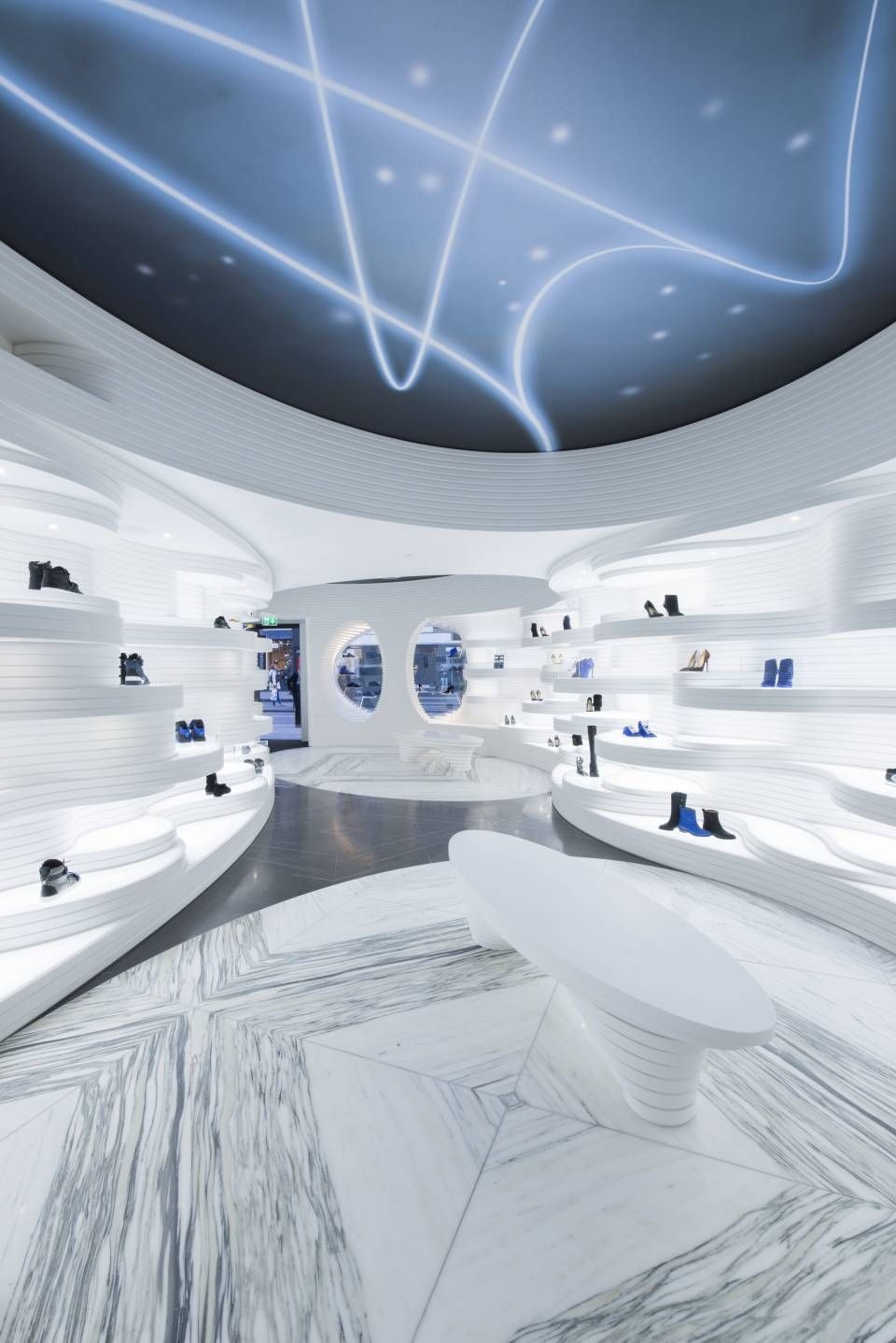 Charmant Shoes Store In Amsterdam , Shoes Store Shoebaloo Koningsplein With A  Futuristic Atmosphere In Amsterdam, By MVSA Architects. Via Fubiz U0026nbsp;