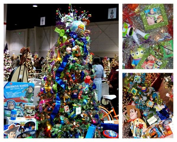 Toy Story Christmas Tree Smallworldbigfun Com Disney Disneychristmas Christmas Tree Themes Disney Christmas Decorations Holiday Christmas Tree