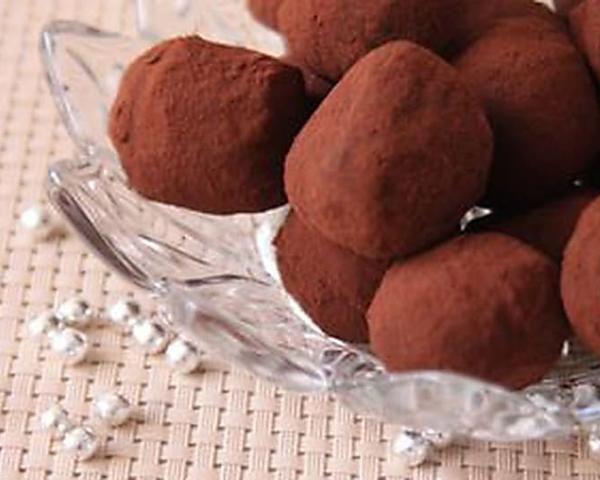 Recette de Truffes au chocolat noir : la recette facile #truffesauchocolat