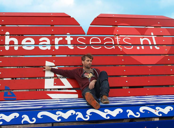 Johan made his own boat - Sail 2015 Heartshaped bench XXL-Heartseats