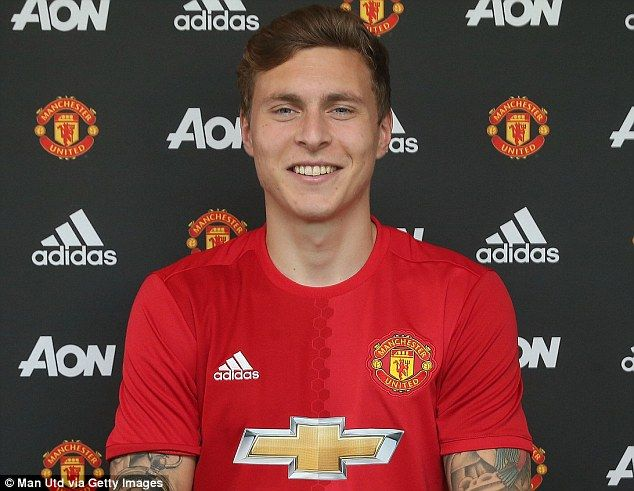 Manchester United Complete Signing Of Victor Lindelof Manchester