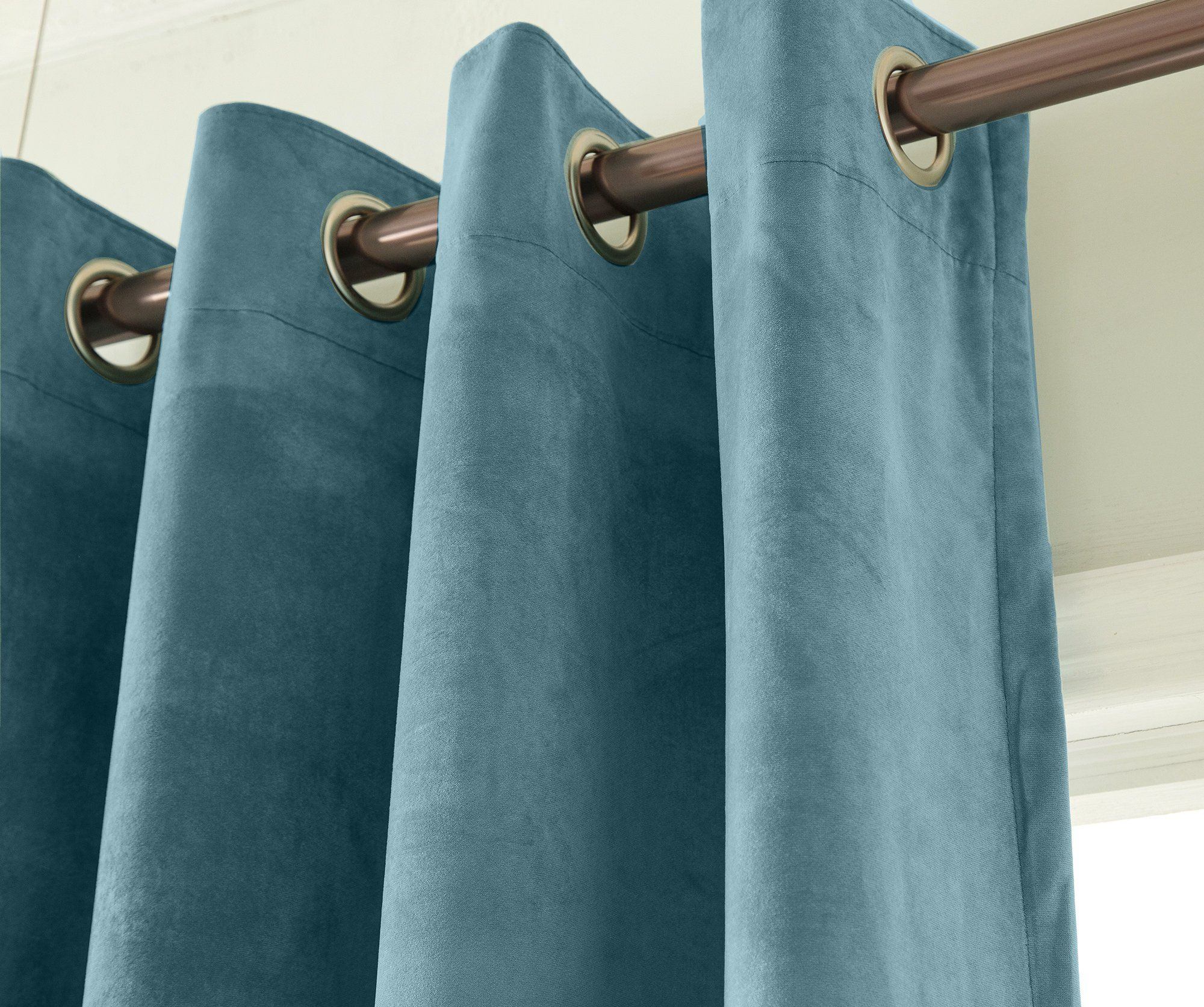 Living Room Luxury Velvet In Solid Color Window Curtain Grommets