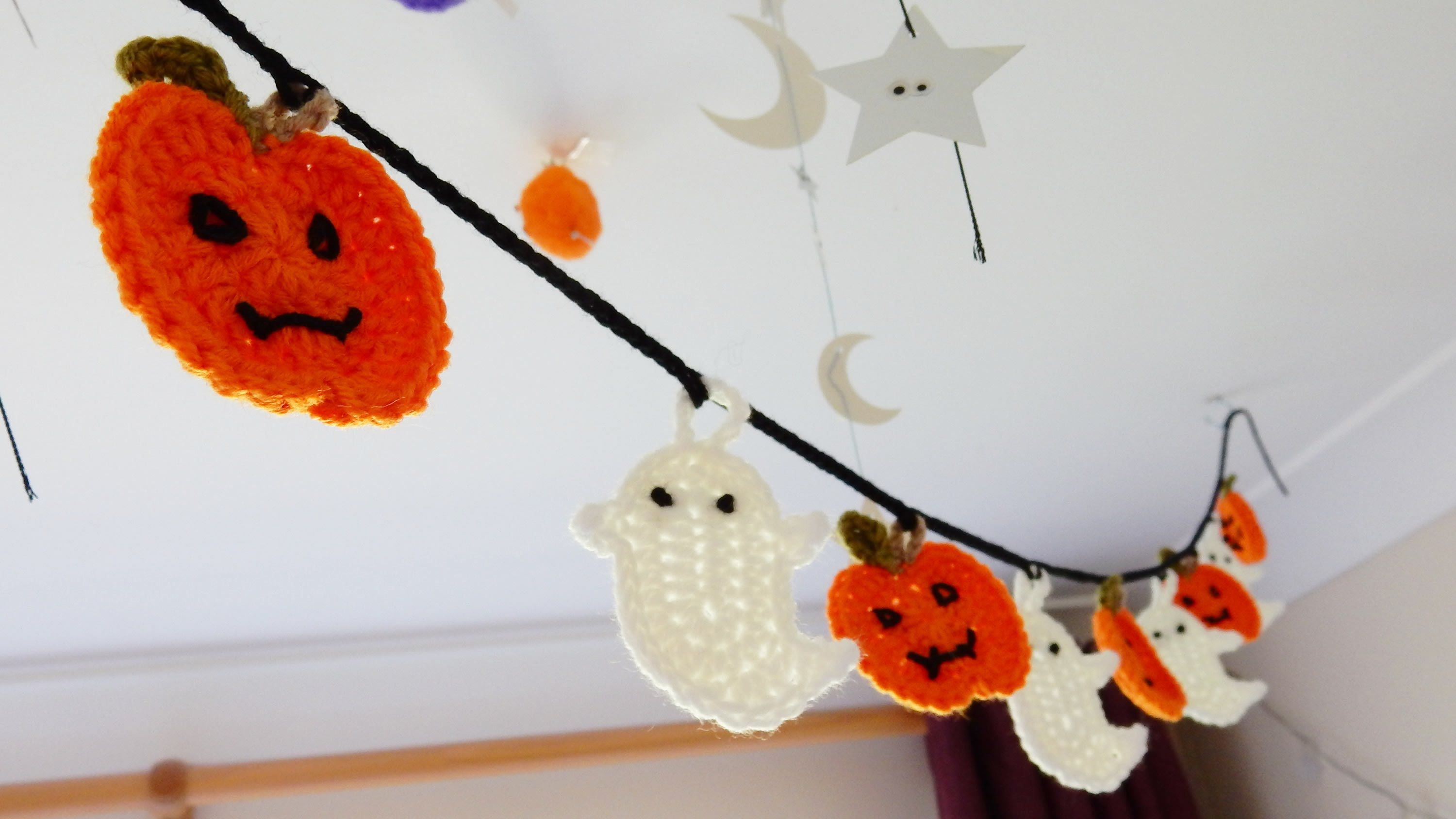 How to join my Halloween Bunting Crochet | Everything Crochet ...