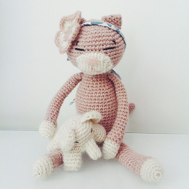 Ravelry: Project Gallery for Amineko Crocheted Cat pattern by ...