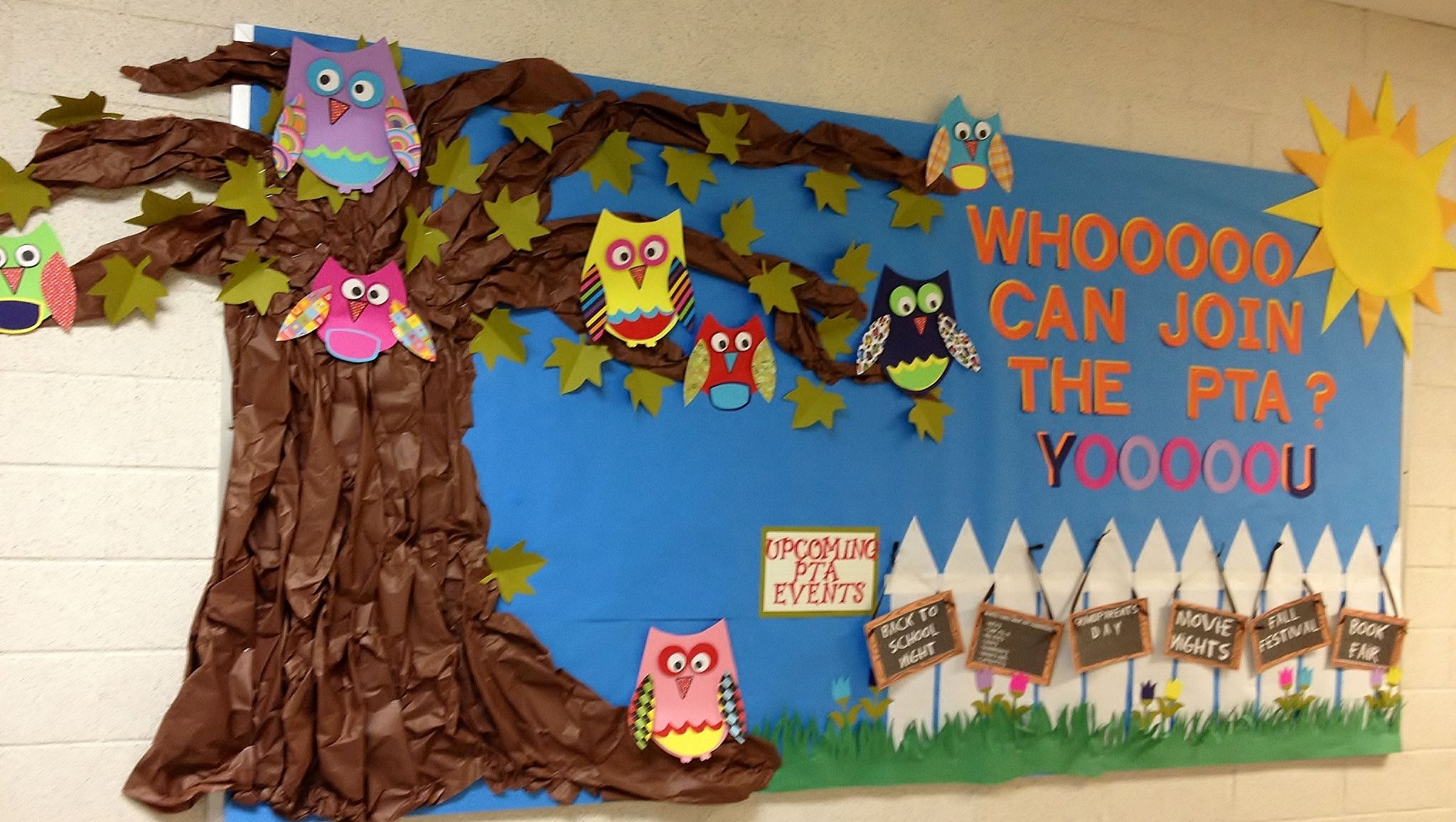 This ended up being the 1st of hopefully many PTA bulletin boards that I did for the KIES PTA.  The kids seemed to really enjoy it and I received tons of compliments from other parents and teachers :) SUCCESS!
