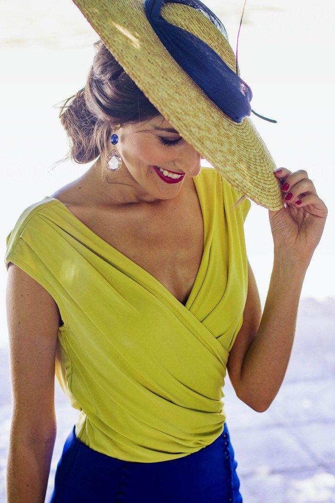 6d2295afb Look invitada conjunto falda blusa tocado. Look invitada conjunto falda  blusa tocado Faldas Para Bodas