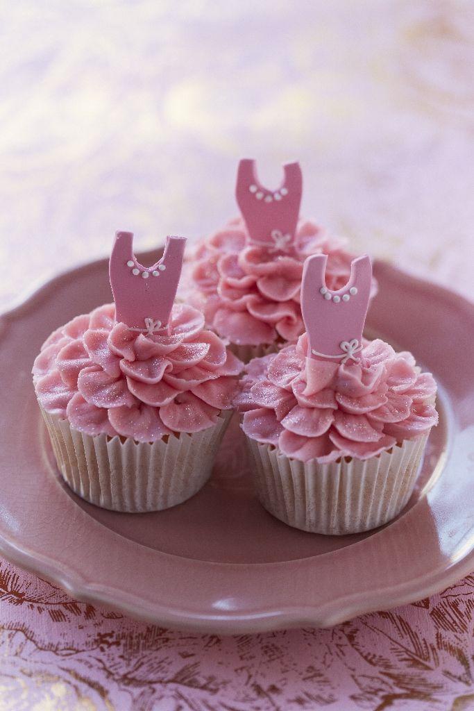 Ballerina #Cupcakes #CakeDecorating - Ballet Beautiful - Pipe a ...
