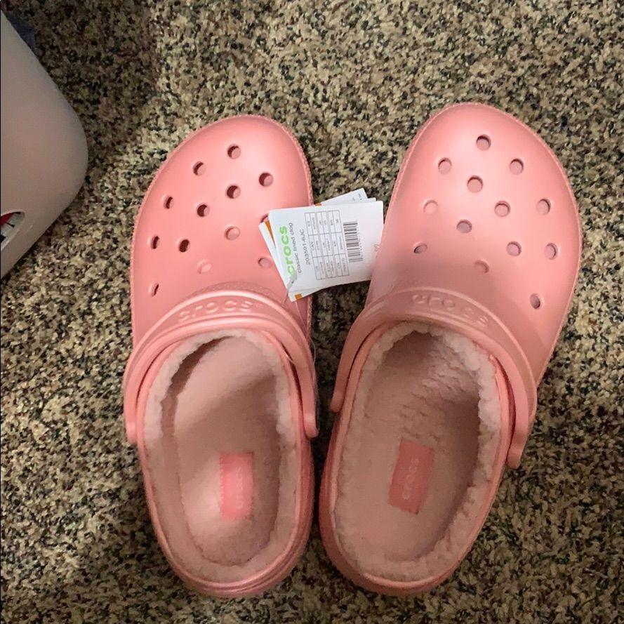 peach colored crocs