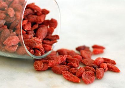 Goji Berries Taste Like A Vibrant Blend Of Berries And Chocolate Hidden Within Its Ru Benefits Of Organic Food Organic Recipes Goji Berries Benefits