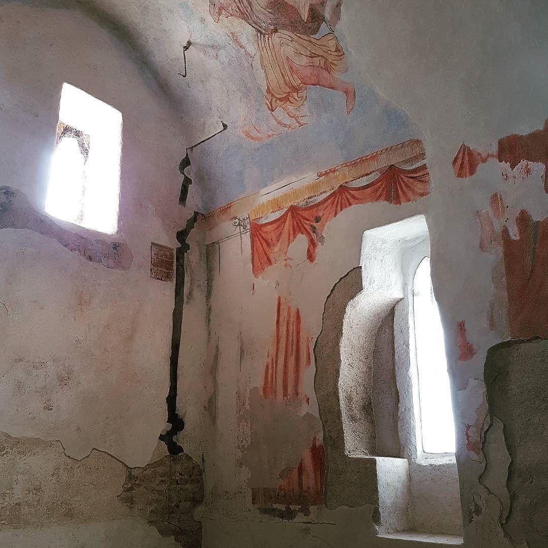 #kostol sv. Margity Antiochijskej #kopcany. Vyse tisic rokov vrstiev omietok a malieb. #obnovaeu