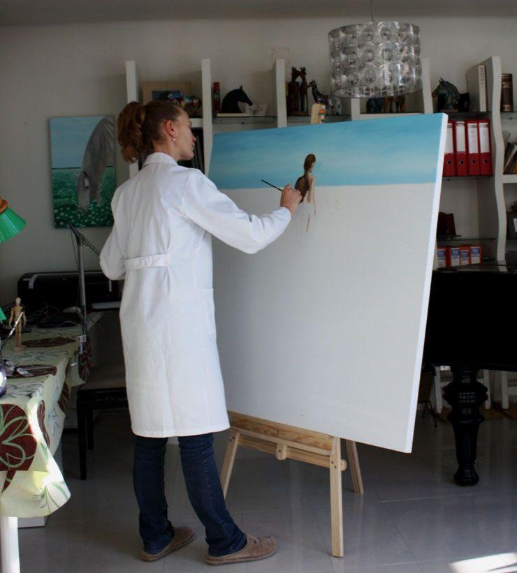 Boletín febrero 2013 Preparando la próxima exposición Pintando en su estudio http://nuriafernandez.es/boletin-febrero-2014/