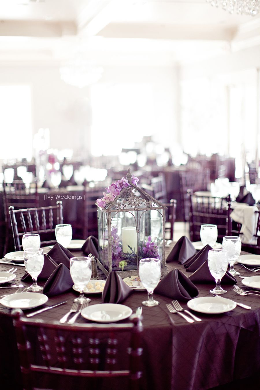 LOVE the lantern centerpieces - photo by Dallas Photographers - Ivy ...