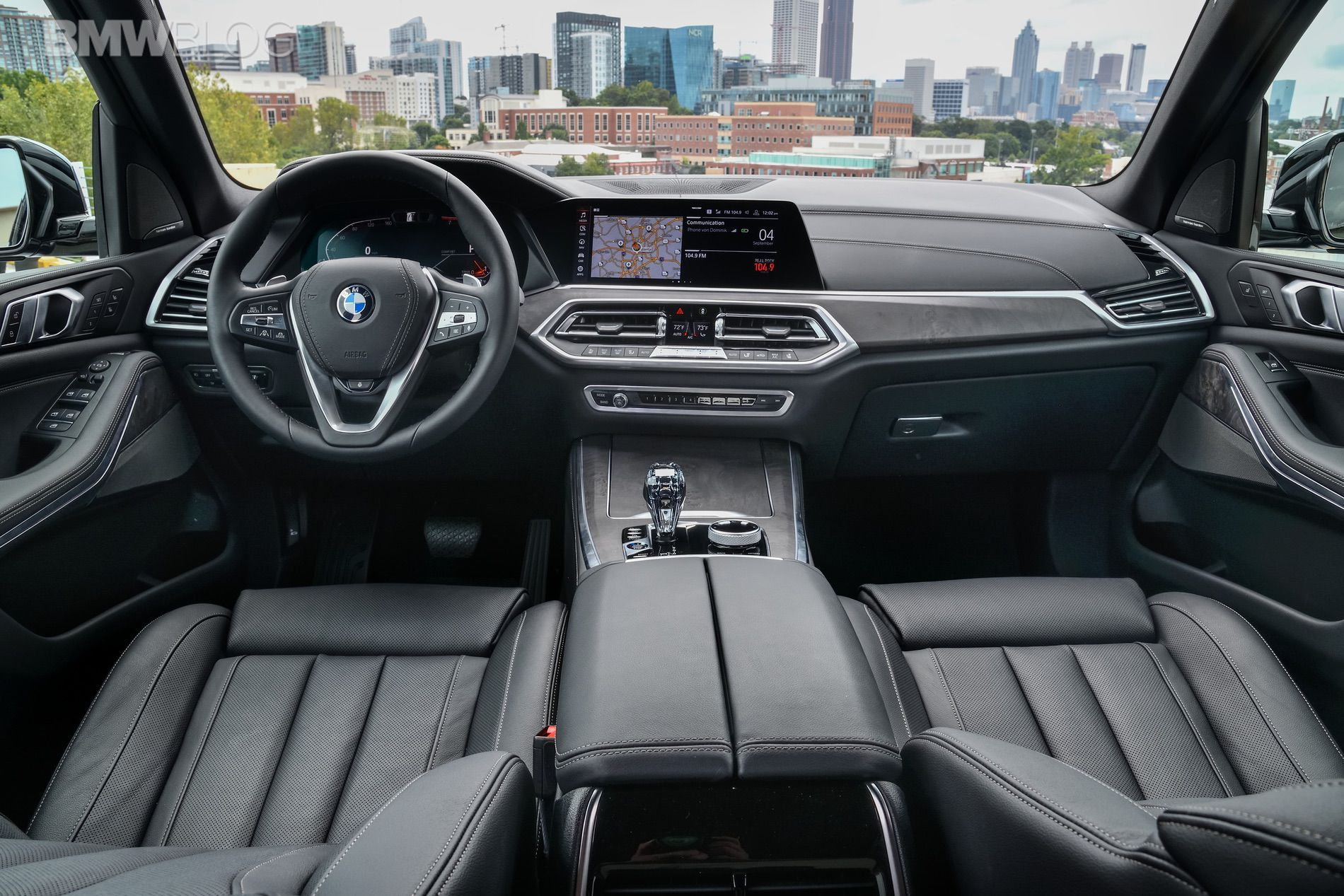 Bmw Designer Describes The Interior Design Of The New Bmw X5 Bmw X5 Bmw Interior New Bmw