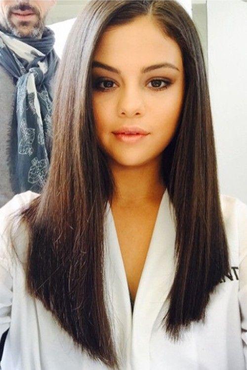Selena gomez cabello corto ondulado
