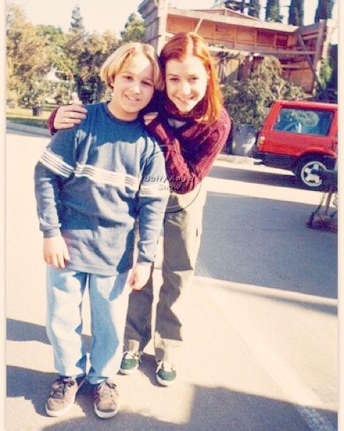 #instagood #instalike #instalove #instapics #instafan #BTVS #Buffy #Buffverse #buffyforever #BuffySummers #instafun #instapic #smile #smiling #onset #setlife #behindthescene #behindthescenes #gingerbread #gretel #shawnpyfrom #alysonhannigan #willow #willowrosenberg #witch #outside by buffyangelshow