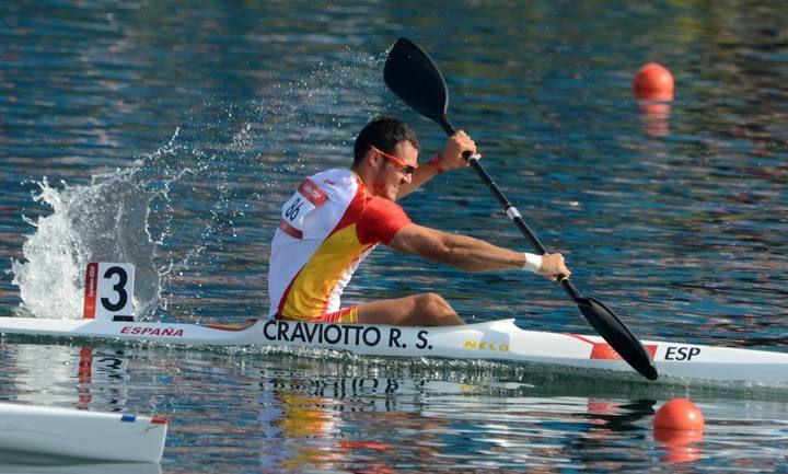 El español Saúl Craviotto compite en el kayak individual (K1) 200m en la fase clasificatoria para las semifinales masculinas en el Centro de Remo de Eton Dorney de Eton, al oeste de Londres.