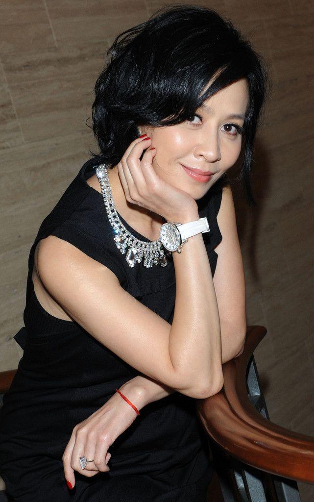Fashion Distributor Wholesalesarong Com Announces New: Carina Lau Photos Photos: Carina Lau Holds Press