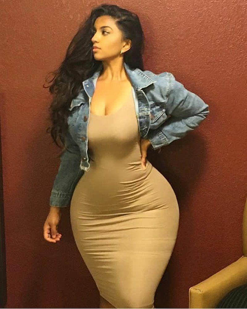 Desixchick thick pinterest curvy curves and woman