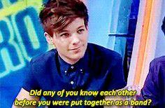 BASTA BASTA BASTA SUS CARITAS!!!! No puedo con la cara con la que Louis mira a Harry y tampoco con la sonrisa que Harry le da a Louis!!! SON TAN HERMOSOS (≧∇≦)