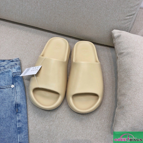 High Quality Replica Kanye West X Adidas Yeezy Slide Bags Coeebags Ru In 2020 Adidas Yeezy Kanye West Slippers